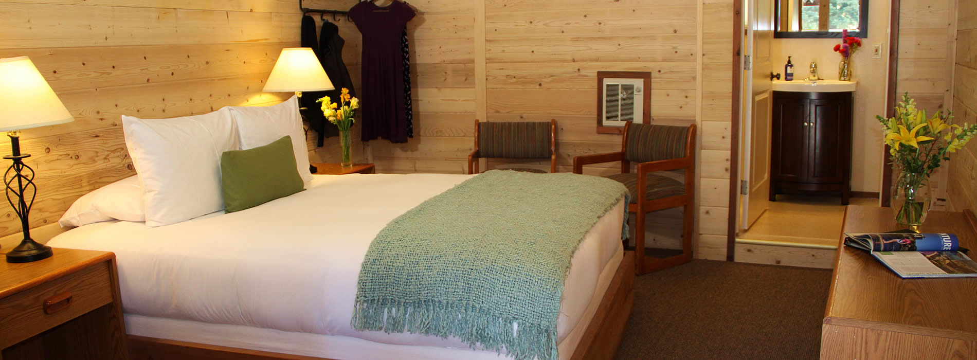 big-sur-river-inn-big-sur-california-guest-room
