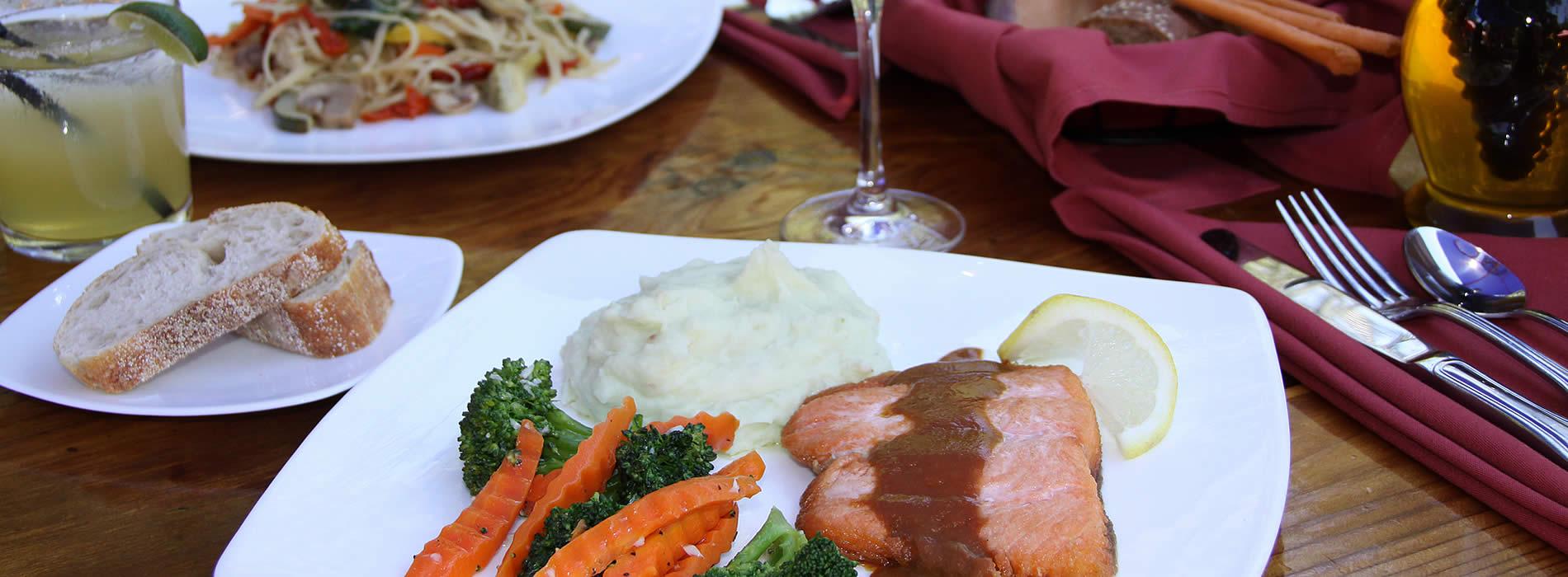 big sur best restaurants - big sur river inn & restaurant